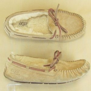 UGG Moccasin Loafer Small US 5 Suede